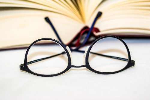 LASIK for Farsightedness, Nearsightedness and Reading Vision Improvement