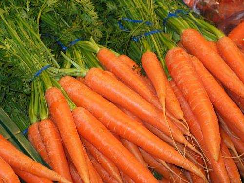 how do carrots help your eyes